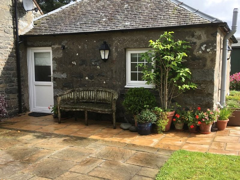Old Schoolhouse - Studio Annexe - Sleeps 2, location de vacances à Lendalfoot