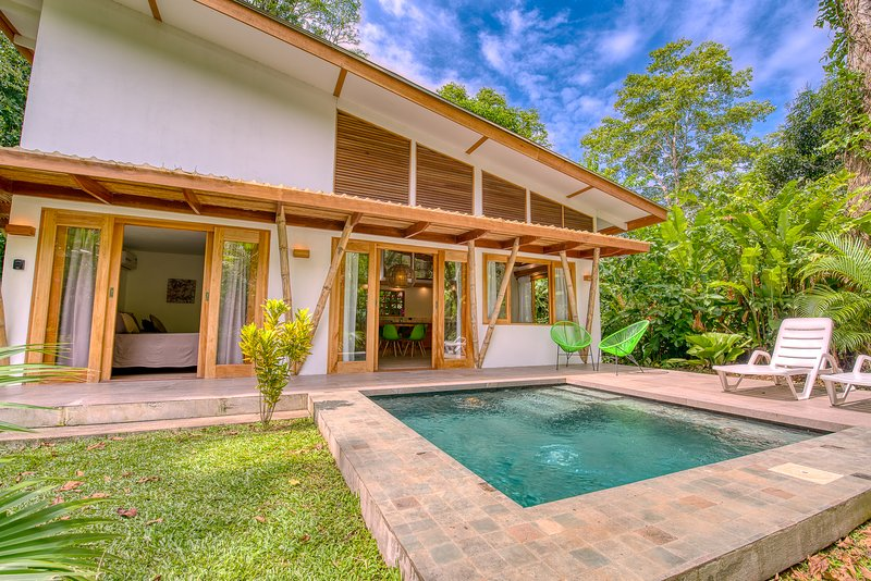 CASA DUNA. Tropical cozy house with pool, holiday rental in Playa Chiquita