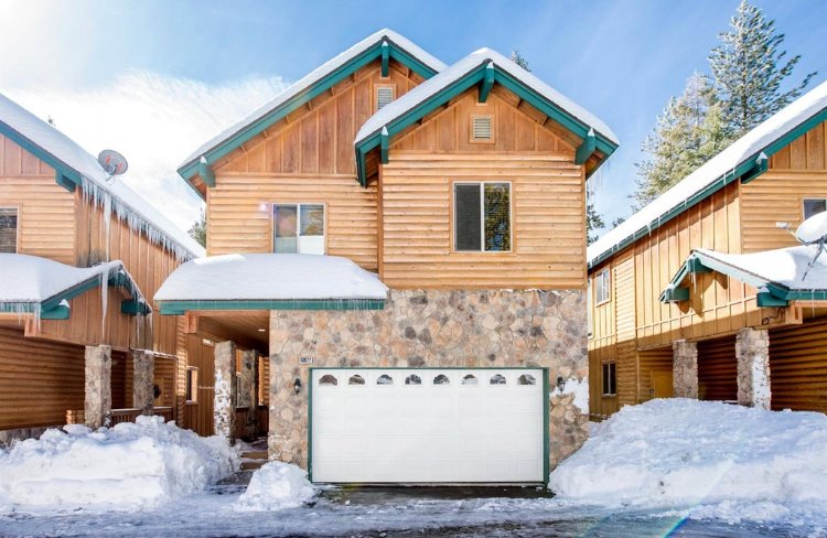 Shaver Lake Chalet, holiday rental in Auberry