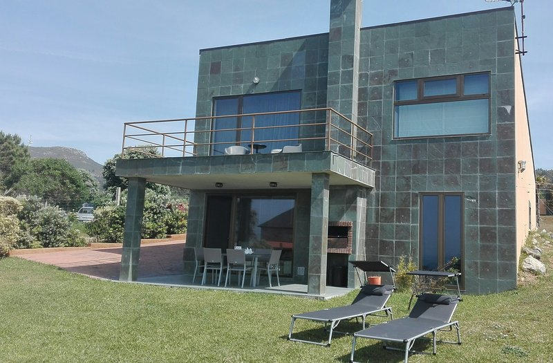 CASA BITÁCORA, vacation rental in Porto do Son