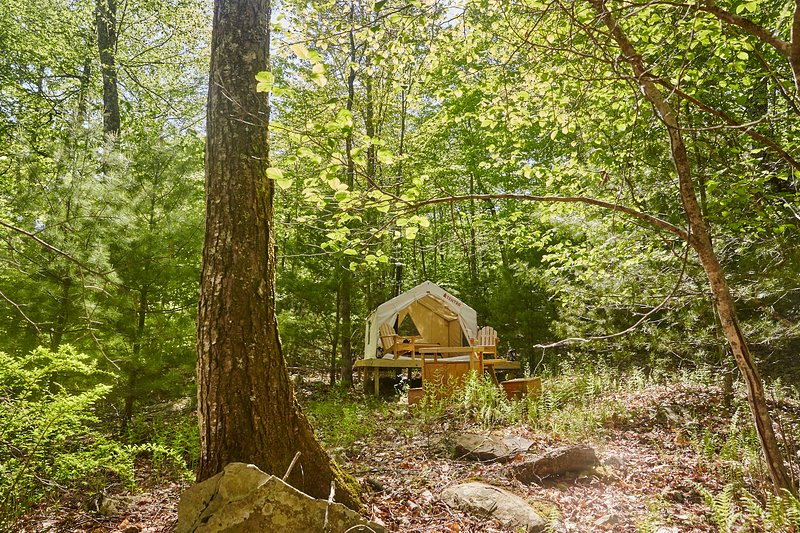 Tentrr Signature Site - Spirit Camp, holiday rental in Claryville