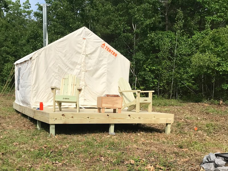Tentrr Signature Site - Hill Top Camp, casa vacanza a Greene