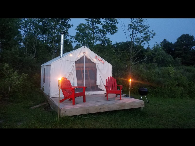 Tentrr Signature Site - Horsefeathers Farm, holiday rental in Schuyler Lake