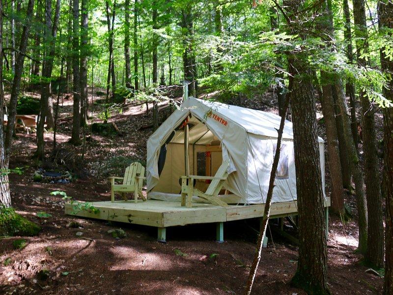 Tentrr Signature Site - Pleasant Mountain Stream Camp, alquiler vacacional en Brownfield