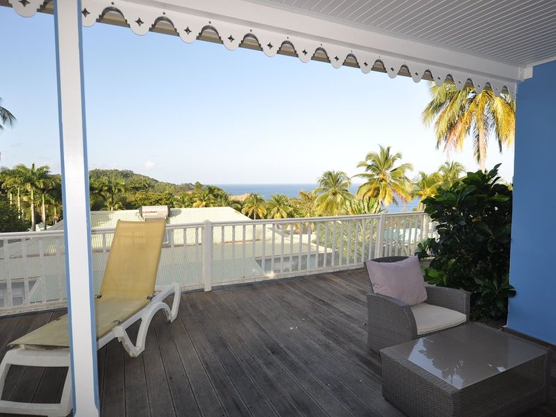 Nice house with shared pool & Wifi, casa vacanza a Marigot