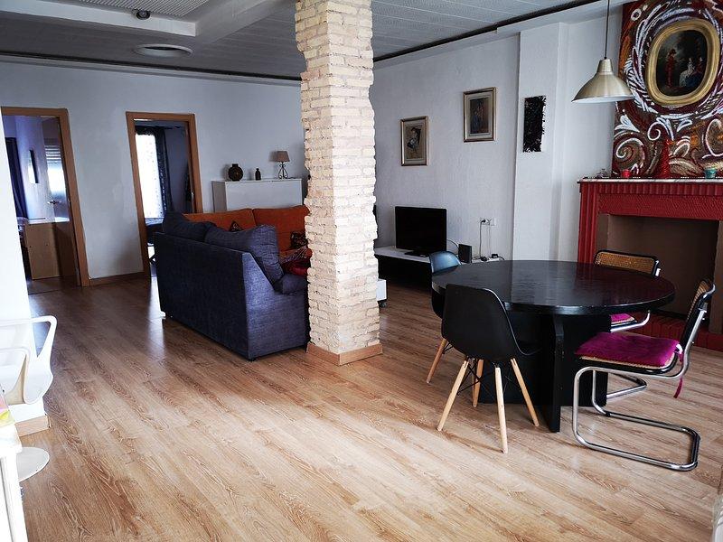 GODELLA Piso completo, WIFI Fibra, zona muy tranquila, 10 min.  Valencia, location de vacances à Domeno