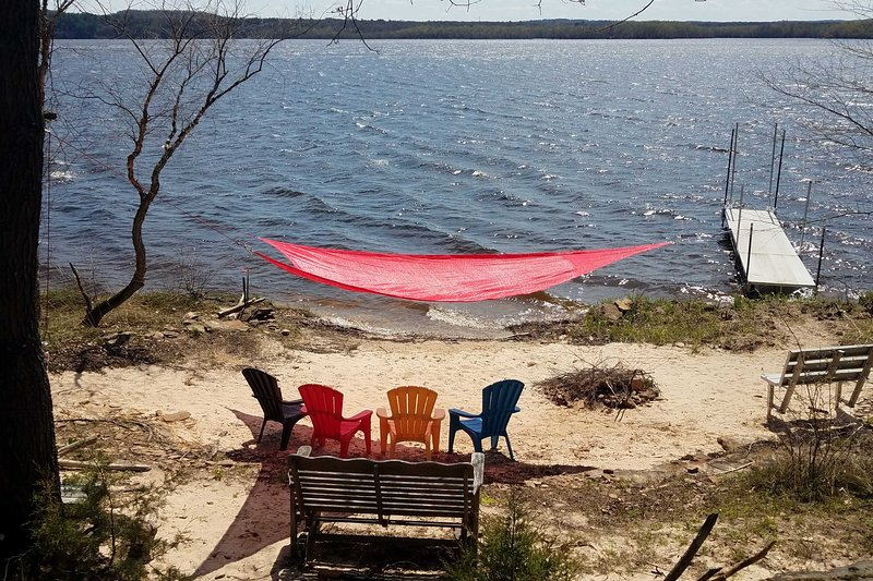 Cabin w/ Kayaks Situated on the Wisconsin River!, holiday rental in Oxford