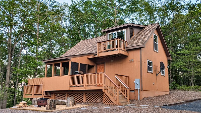 Oak Tree cabin near the Shenandoah River, location de vacances à Rileyville