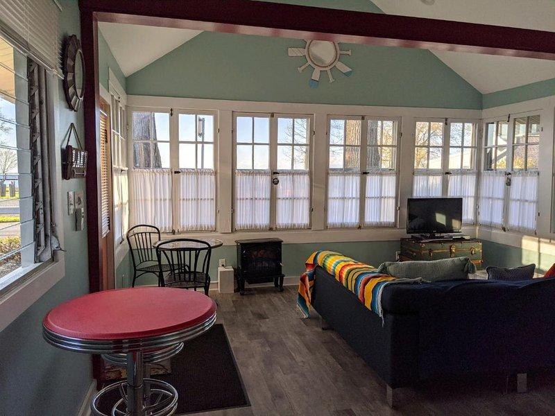 2 Bedroom/2 bath between Rochester and Niagara Falls, holiday rental in Kent