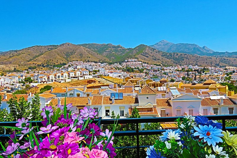 MORASOL 5th - 12 : Charming Apartment with city views, holiday rental in Nerja