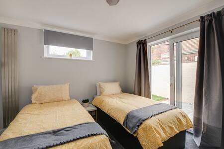 Hamilton Lodge, holiday rental in Portsmouth