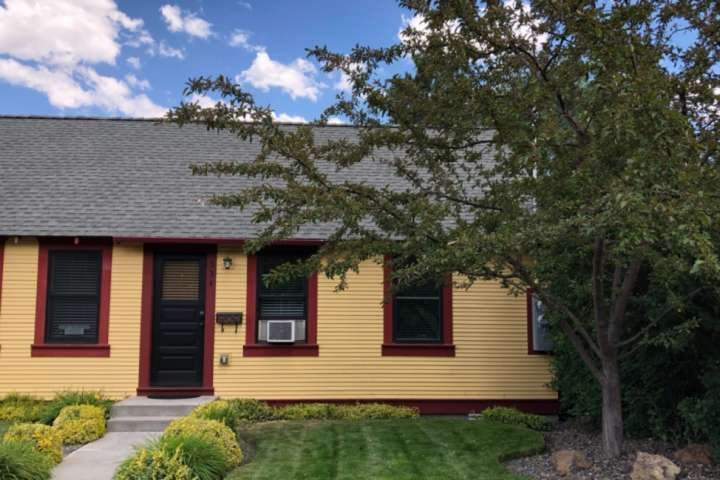 NEW! Old Bend 2 Bdrm Duplex, walk to Box Factory, Old Mill, brew pubs, wine tast, holiday rental in Central Oregon