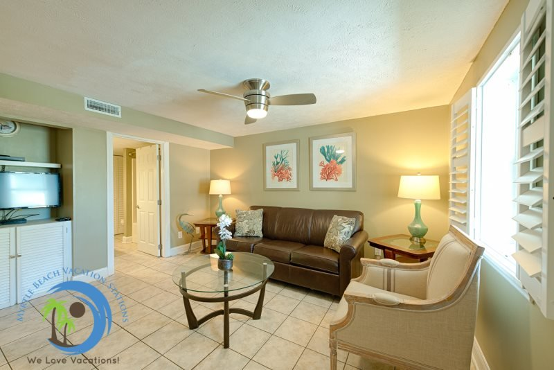 Windy Hill Villa #3 - Beach Charm, holiday rental in North Myrtle Beach
