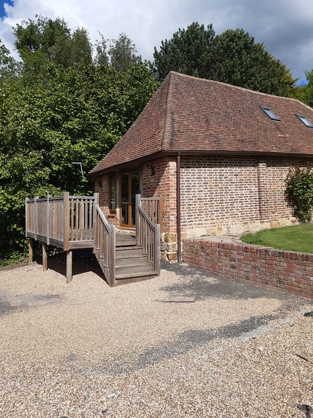 beautiful converted heritage listed Barn, holiday rental in Pembury
