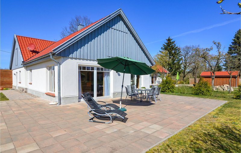Stunning home in Settin with 3 Bedrooms (DMV220), holiday rental in Schwerin
