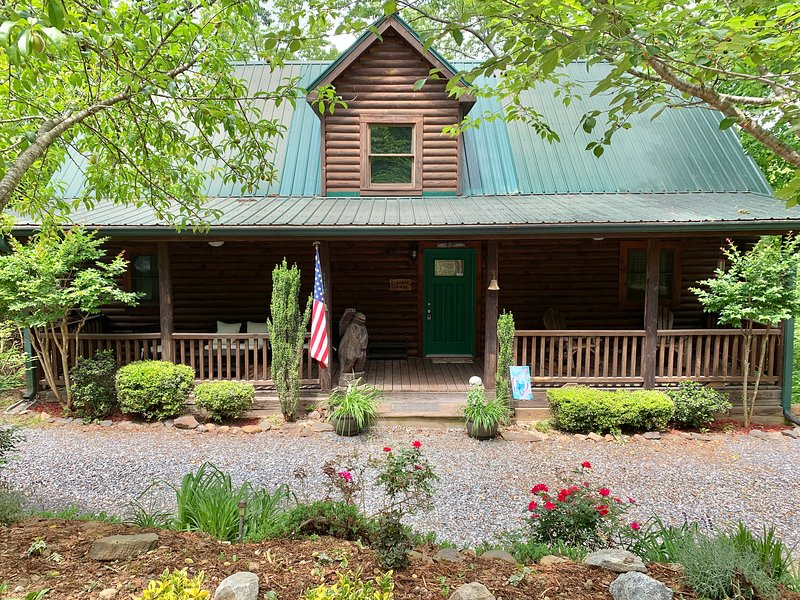 Beamers' Dugout, holiday rental in Chimney Rock