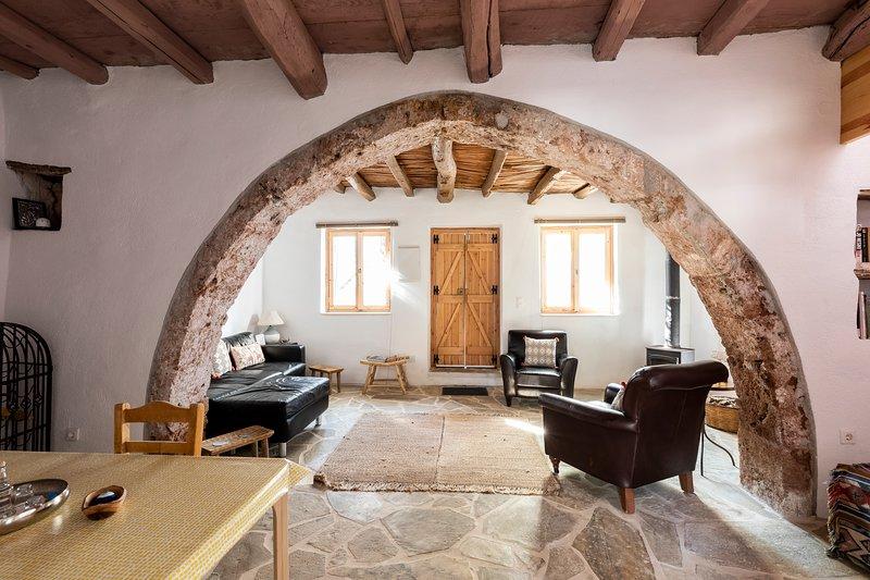 The Arch House Zakros., alquiler vacacional en Xerokampos