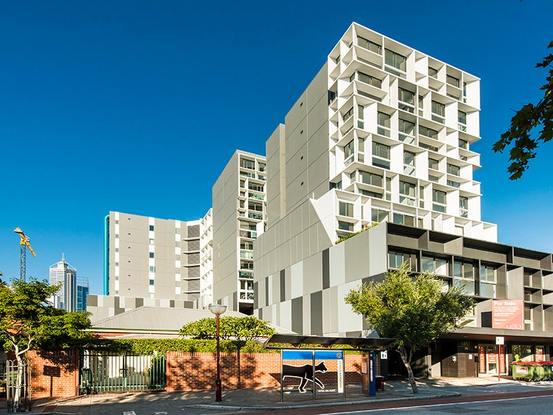Executive Luxury Apartment, vacation rental in North Perth