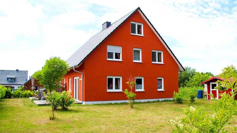 Komfortables Ferienhaus Lisa an der Schaabe, Tromper Wiek in Glowe auf Rügen, vacation rental in Lohme