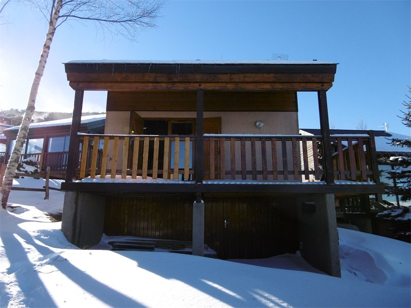 chalet with panoramic view and garden, alquiler de vacaciones en Pirineos Orientales