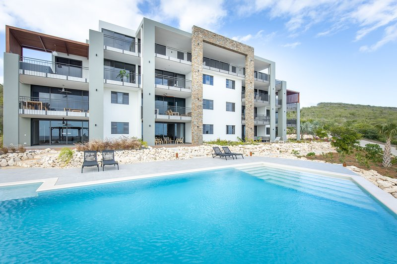 Stylish Luxury Apartments at Coral Estate - Stunning View, holiday rental in Tera Kora
