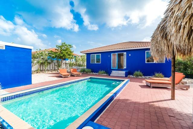 Tropical Dream Villa - Private Pool & Terrace, vacation rental in Sint Willibrordus