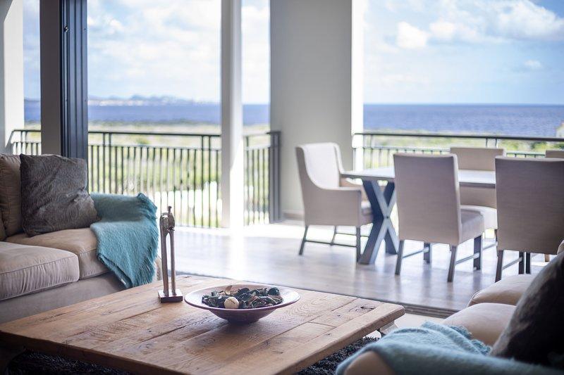 Chic, Panoramic Penthouse - Spectacular  270 ° Ocean View, holiday rental in Tera Kora