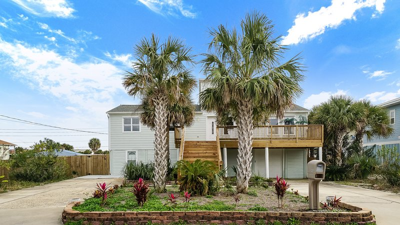 Bunny & Boo's Beach Bungalow, holiday rental in Pensacola Beach