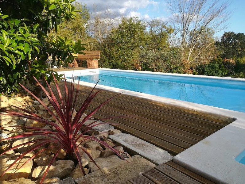 Charmante Maison de. Campagne avec Piscine Privée, location de vacances à Figueira da Foz