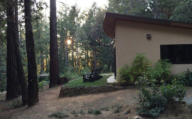 Amazing New House in the Santa Cruz Redwoods., alquiler de vacaciones en Ben Lomond