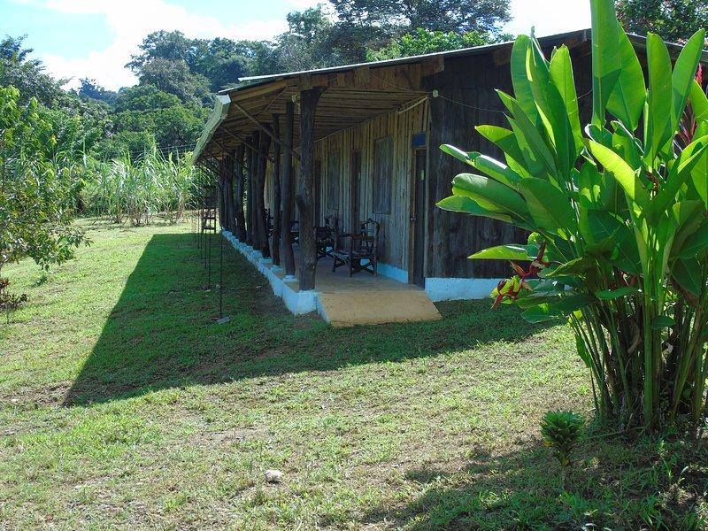 Hotel El Tesoro De Sir, Bahia Drake, holiday rental in Corcovado National Park