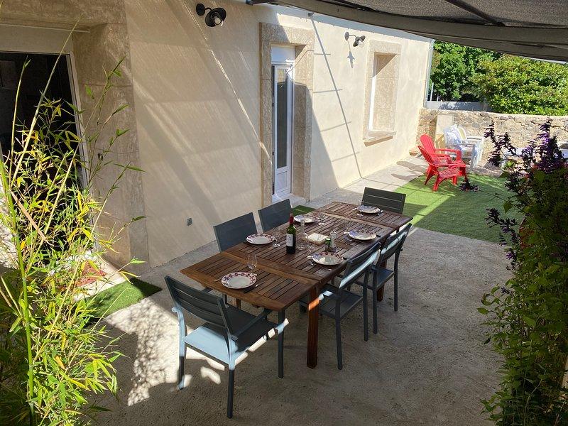 Maison pour 6 personnes près de Pezenas, location de vacances à Neffiès