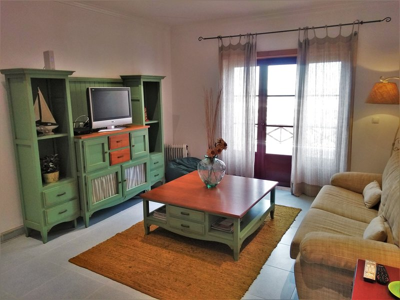 Apartments Baleal: Peniche Beach Front Apartment, holiday rental in Baleal