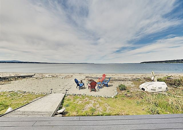 Best Fishing Beach in PNW | Bush Point Bliss | No-Bank, Walkout Waterfront, holiday rental in Freeland