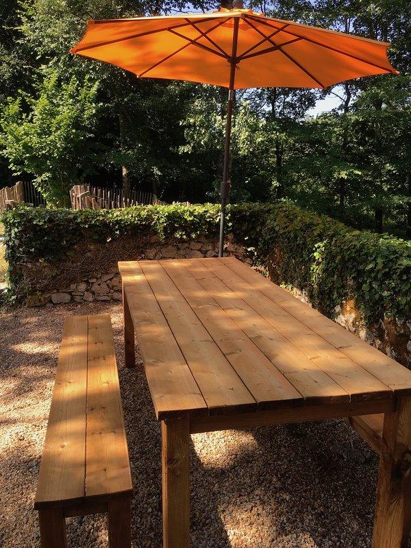 Table back garden