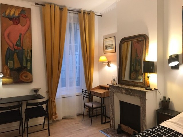 Nice 18 m² appartment close to Paris, casa vacanza a Villeneuve-le-Roi