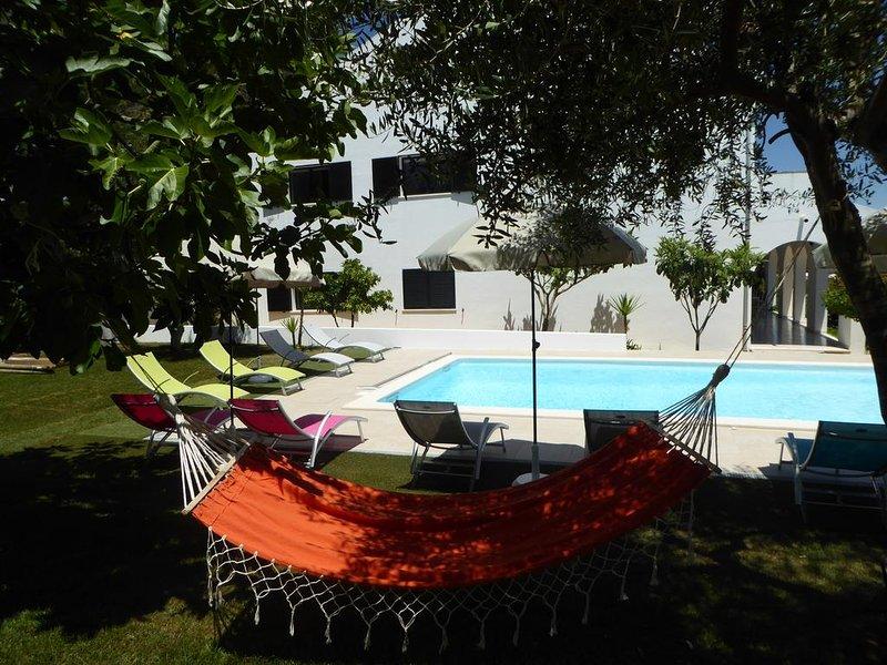 VILLA 5 chambres à proximité de la plage, location de vacances à Praia da Rocha