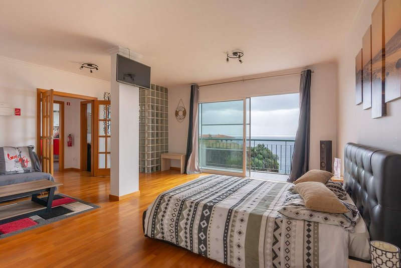 Ocean View Madeira Suite, holiday rental in Canico