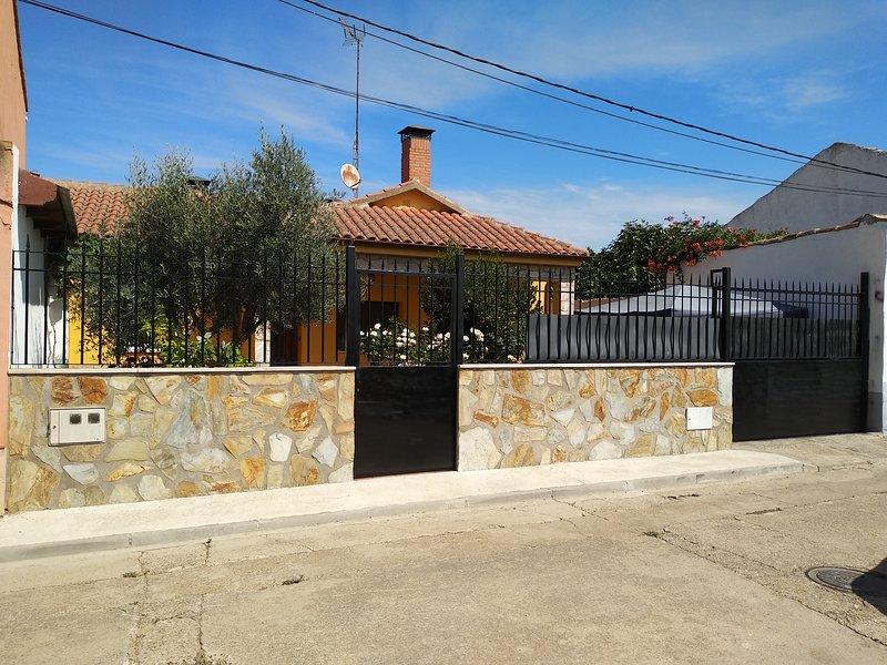 Casa rural La casa del Olivo, alquiler de vacaciones en Provincia de Valladolid