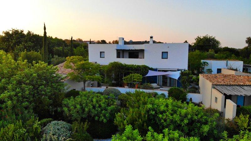 Casa Terra Eco Villa with Pool, holiday rental in Tavira