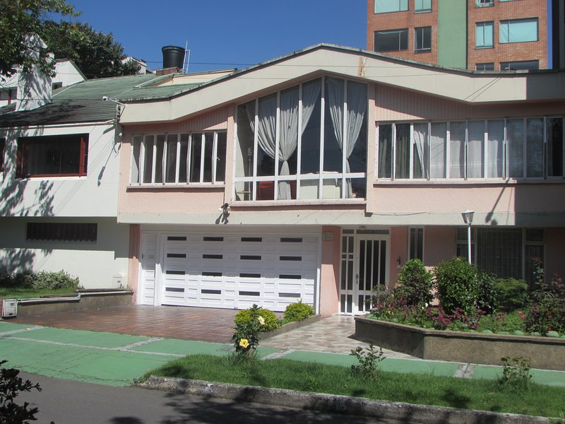 TOURISTIC HOUSE 206/4, holiday rental in Bogota