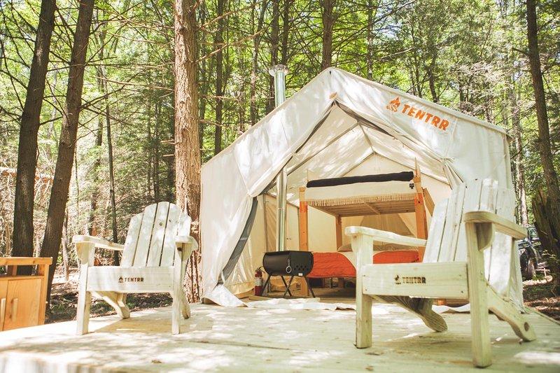 Tentrr Signature Site - Running W Retreat, vacation rental in Hortonville