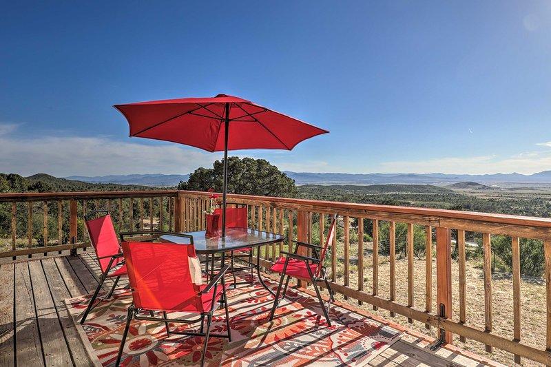Secluded Mingus Mountain House w/ Deck, Mtn Views!, location de vacances à Clarkdale