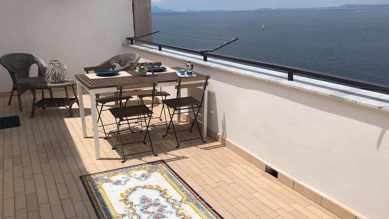Le Terrazze di Anna - vista mozzafiato sul golfo di Napoli, holiday rental in Piano di Sorrento