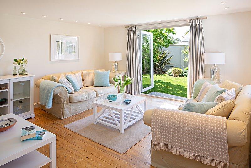 New! Chic spacious fresh beach home 3 bedroom 2 bathroom between beach/village, alquiler vacacional en Croyde