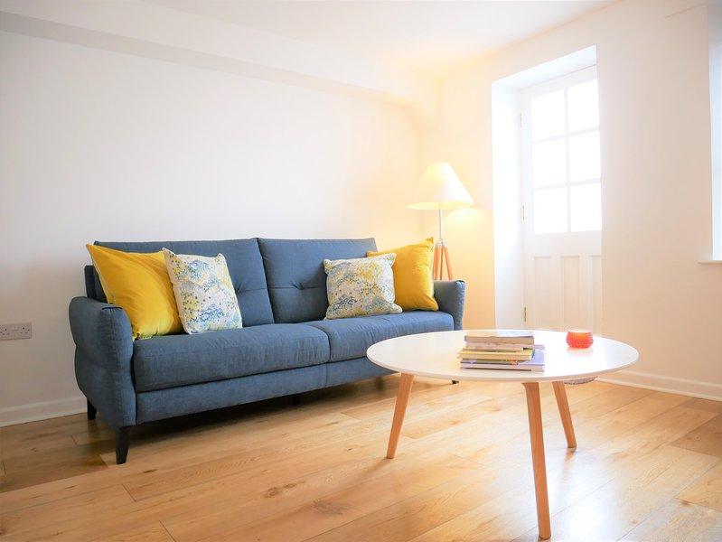 1 Bedroom Apartment in Heart of Ulverston, casa vacanza a Bardsea