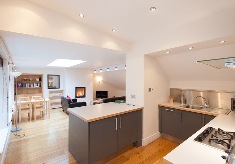 Thistle St Lane, 250 metres to Princes Street-parking included, vacation rental in Edinburgh