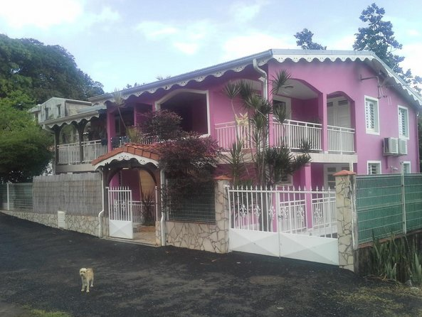 Beautiful apartment with garden, casa vacanza a Marigot
