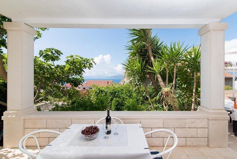 Apartments Veve - Superior Studio Apartment with Terrace Sea View, alquiler de vacaciones en Postira