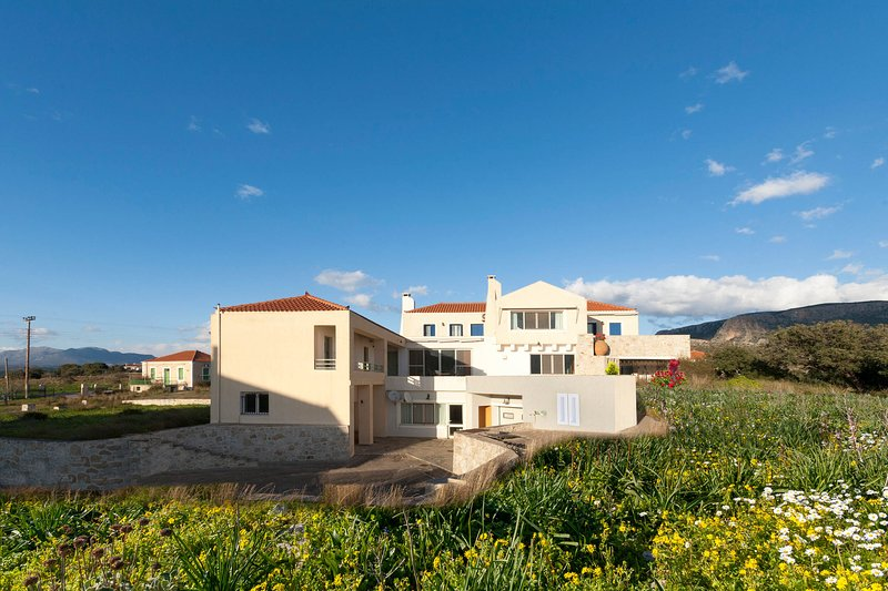 Blue Seas Villa Secluded Private Retreat, vacation rental in Xifias